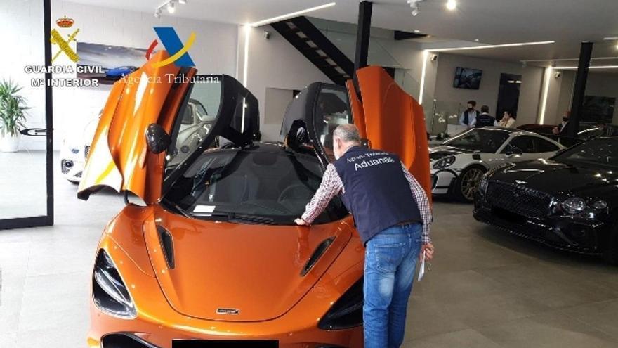 Desarticulada una organización que defraudó siete millones de euros en la compraventa de vehículos usados