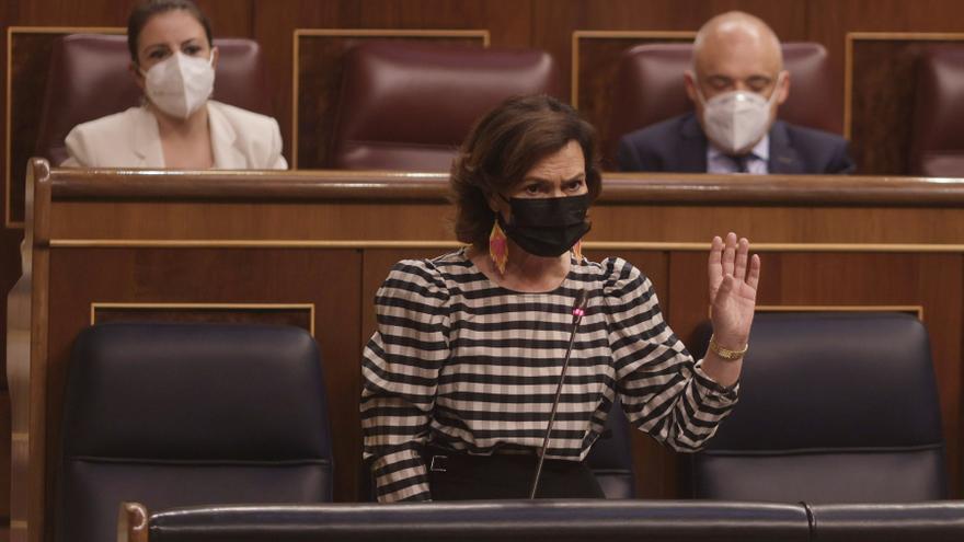 """Carmen Calvo insta al PP: """"Valientes, miren a los catalanes a la cara y díganles que tienen alguna salida para este país"""""""