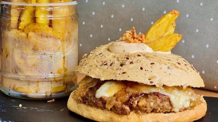 """El pan """"de hamburguesa"""" saludable que puedes hacer en dos minutos en la sartén"""