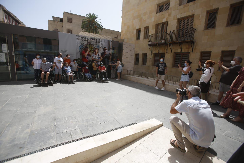 """Exposición al aire libre en Alicante """"Me Ves, en comunidad. Fotógraf@s con discapacidad"""""""