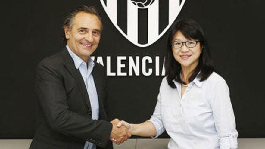 El Valencia hace oficial el fichaje de Prandelli