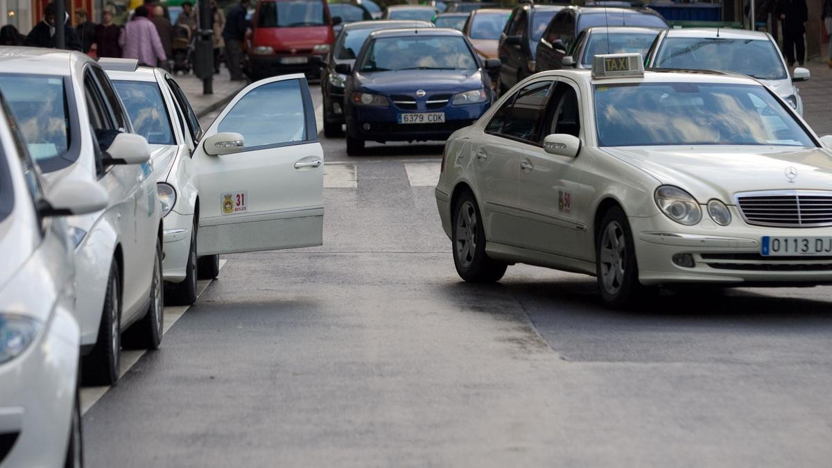 Taxistas en Avilés.