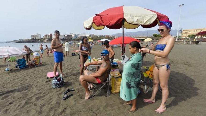 Sábado en las playas de Telde
