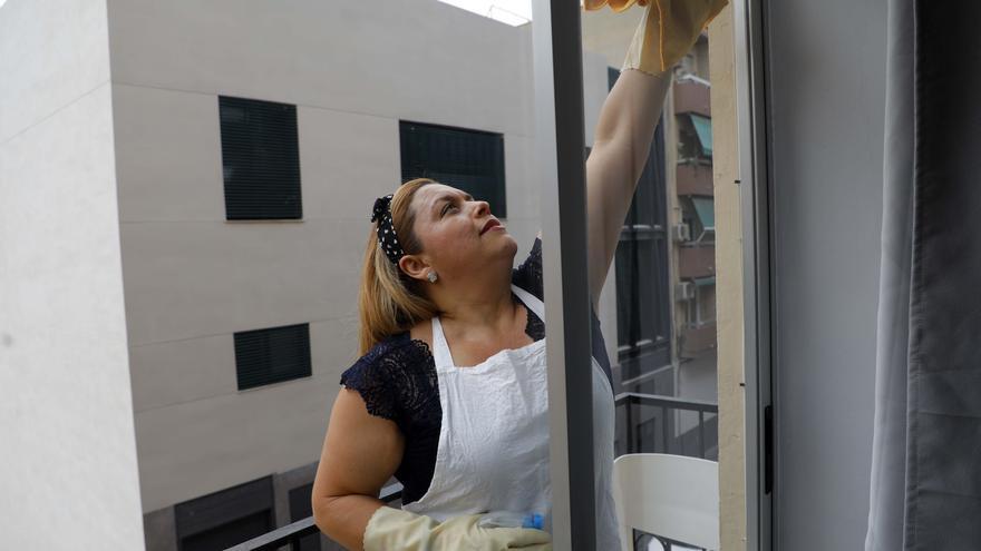 La Justicia abre la puerta a que 3.600 empleadas de hogar de Castellón cobren el paro