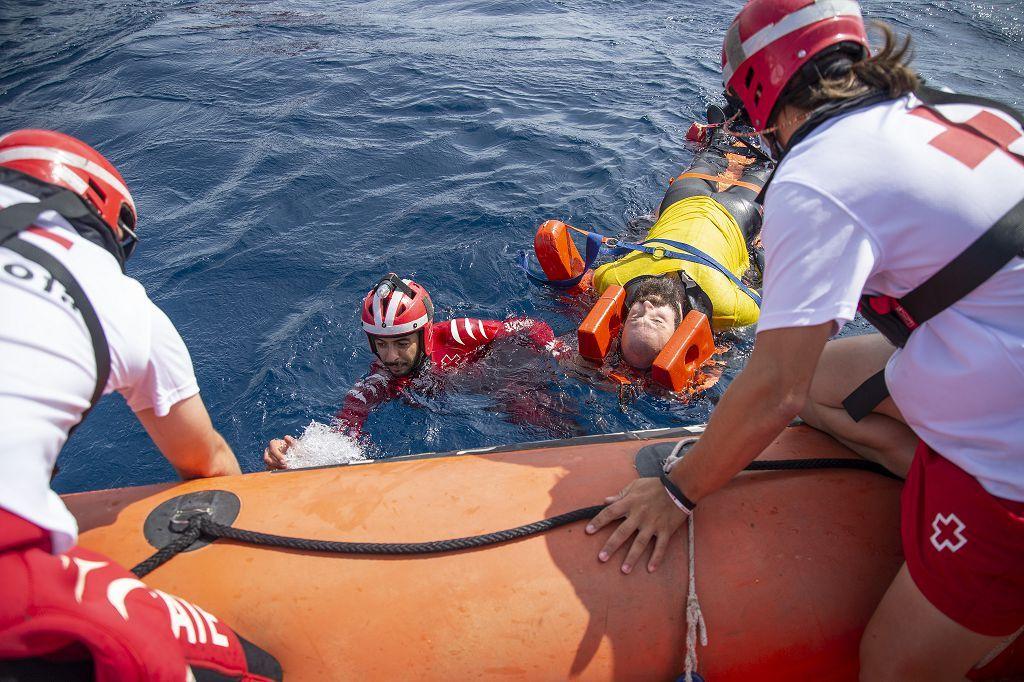 Simulacro rescate Salvamento Marítimo y cruz roja