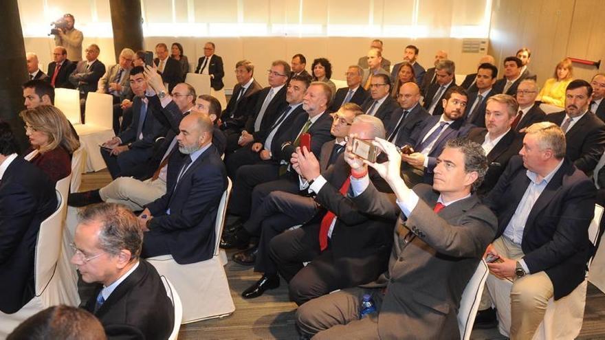 Goirigolzarri se compromete en Murcia a echar una mano ante la falta de agua