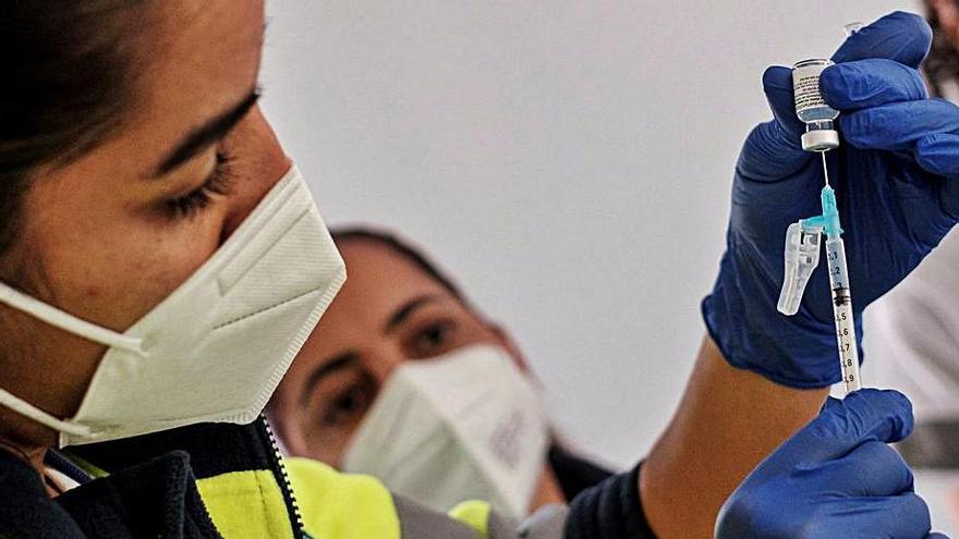 Segunda jornada con más de 350 casos en Canarias desde septiembre