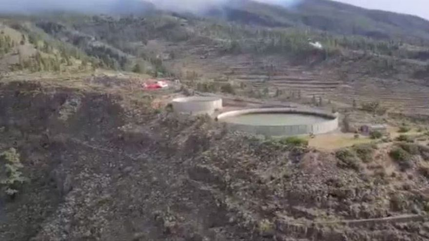 Carrusel de helicópteros del GES para aprovisionarse de agua
