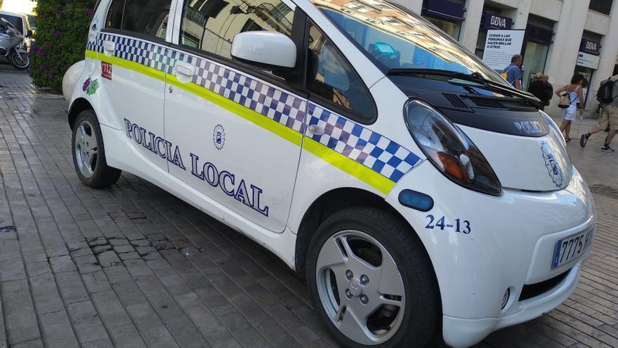 Detenido un conductor por chocar con su coche contra varios vehículos en Málaga