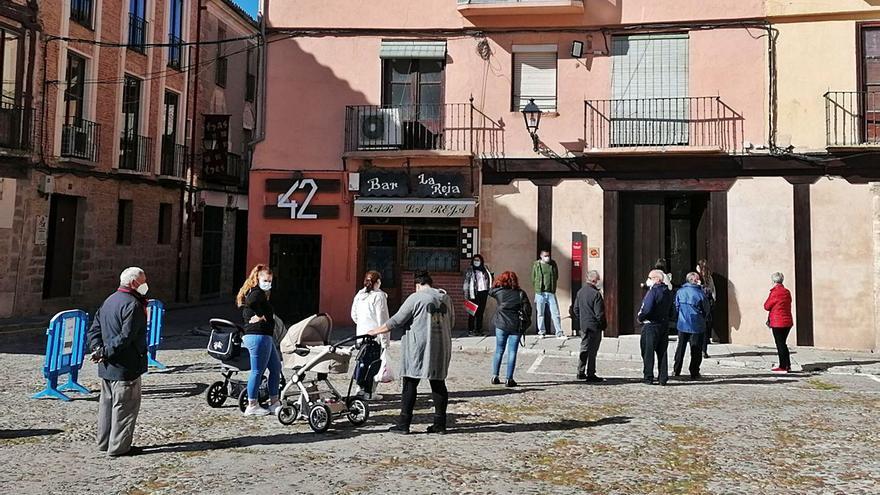 La nueva oficina de atención al ciudadano de Toro agiliza el reparto de los bonos comercio