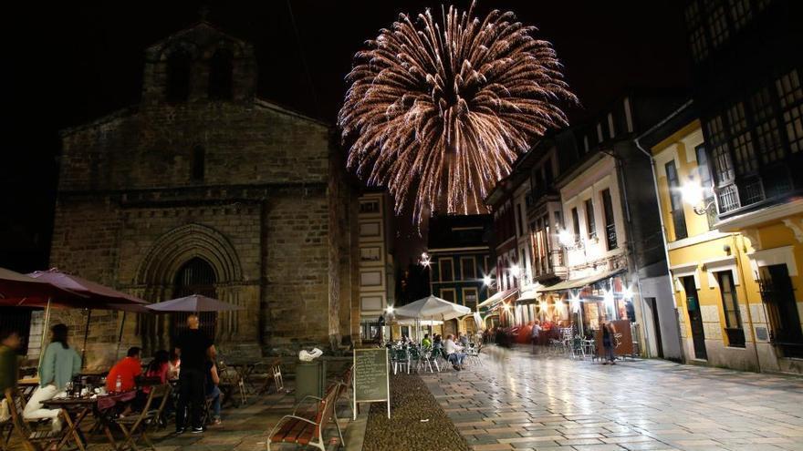 Rozalén y los fuegos artificiales para cerrar, el martes, las fiestas de San Agustín