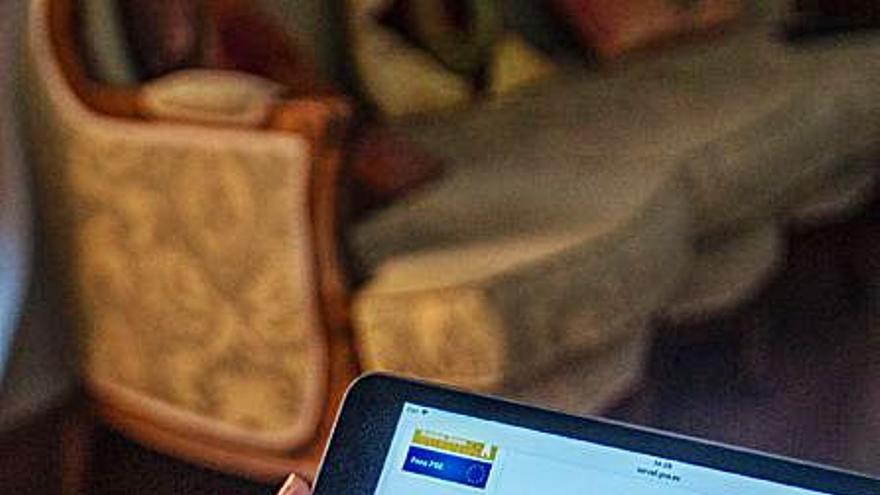 Torrevieja compra 36 tablets para sus ediles