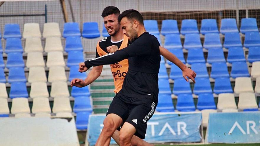 Carlos David, que hoy será titular, en el entrenamiento de ayer. | FC CARTAGENA