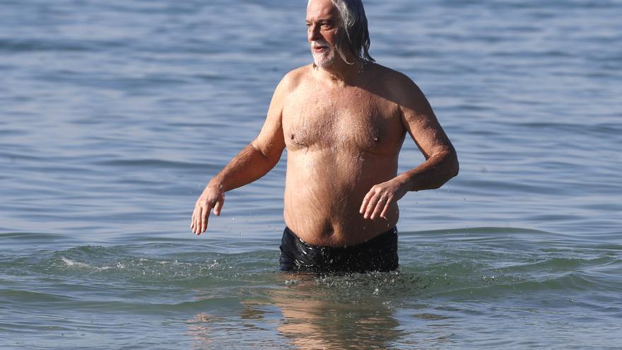 El poeta que se inspira en el mar