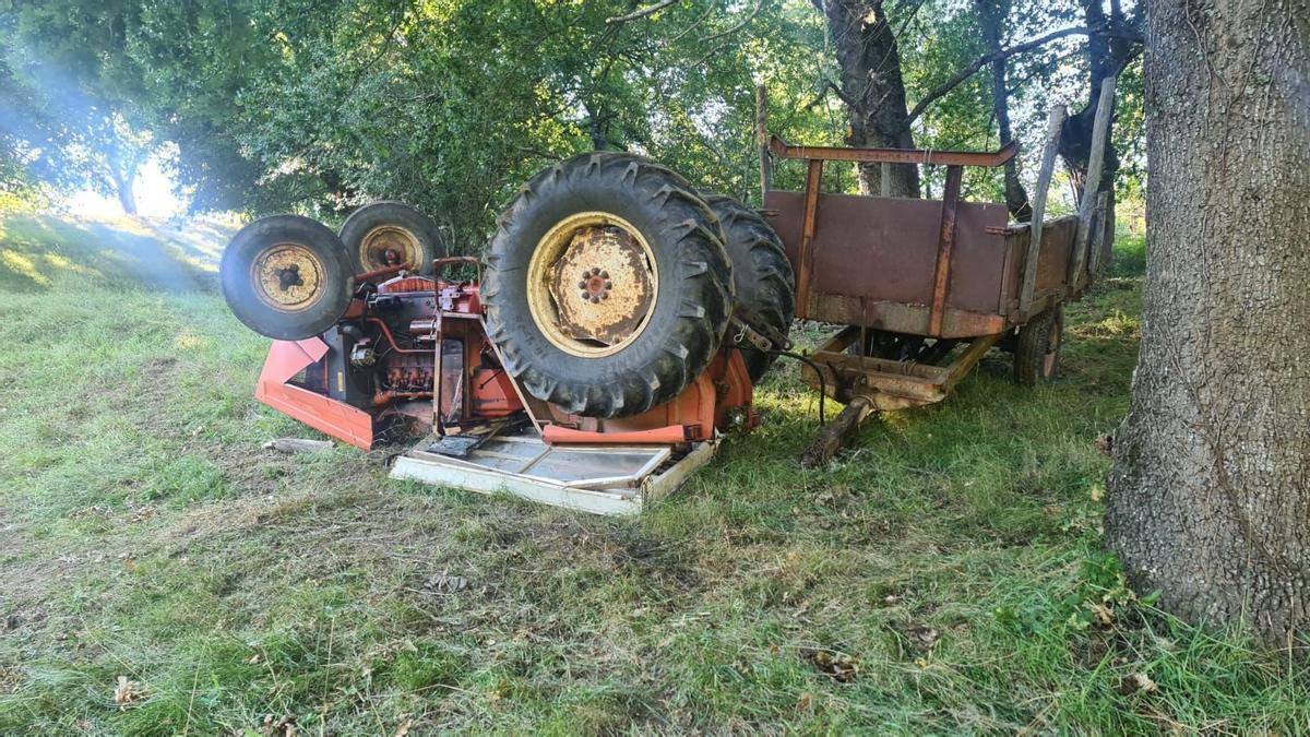 Estado en el que quedó el tractor tras el accidente mortal.