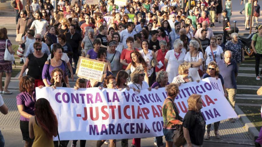 Miles de personas se manifiestan en apoyo a Juana Rivas