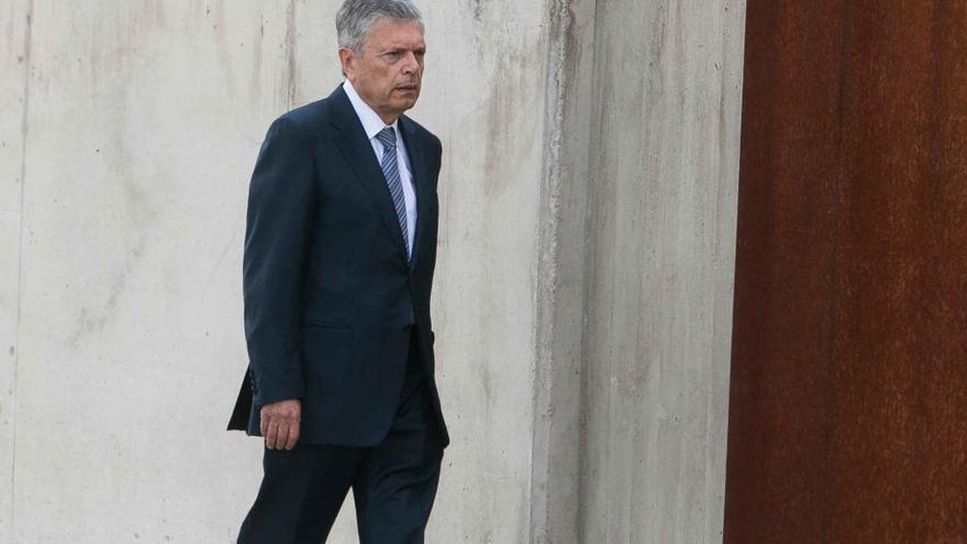 Modesto Crespo, Narcís Serra y Hernández Moltó comparecerán en el Congreso el 28 de febrero