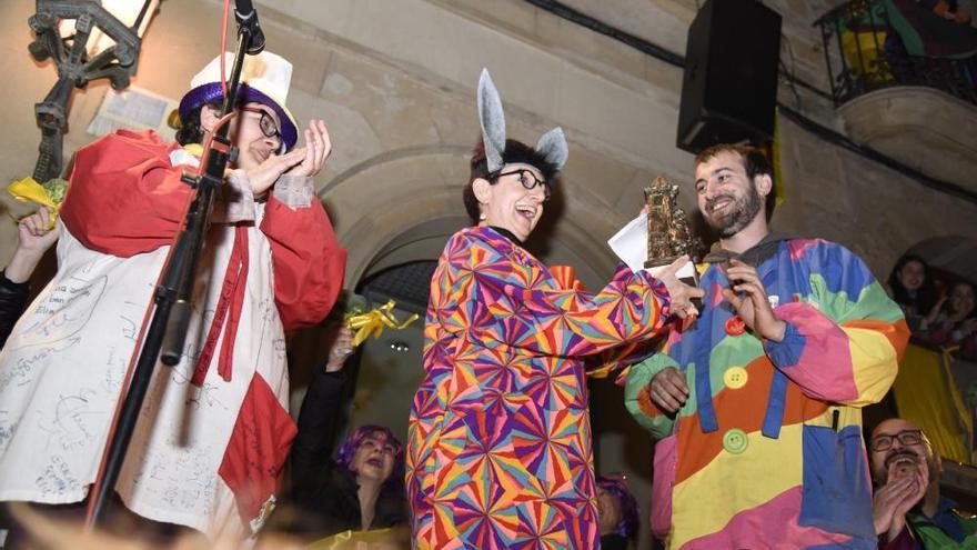 Solsona gaudeix del seu Carnaval amb referències polítiques i un temps inusual