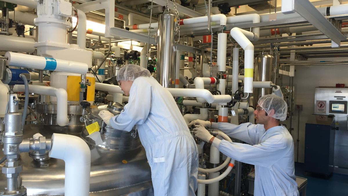 Formación Profesional Dual impartida en un laboratorio farmacéutico.