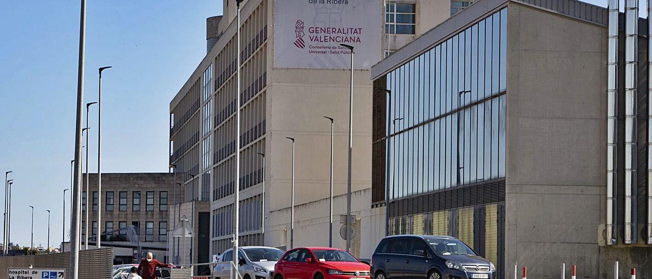 El Hospital de la Ribera, en una imagen de este año. | PERALES IBORRA