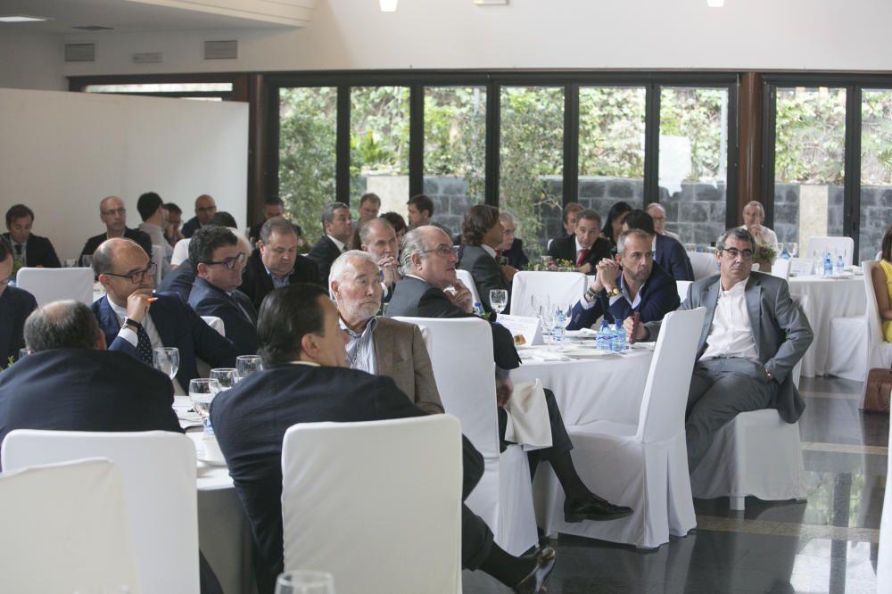 Una vista de algunos de los asistentes a la conferencia.