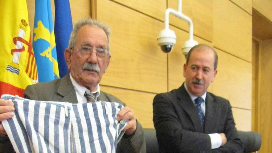 Francia dedica una calle al poleso Vicente García, único español vivo del campo de Buchenwald