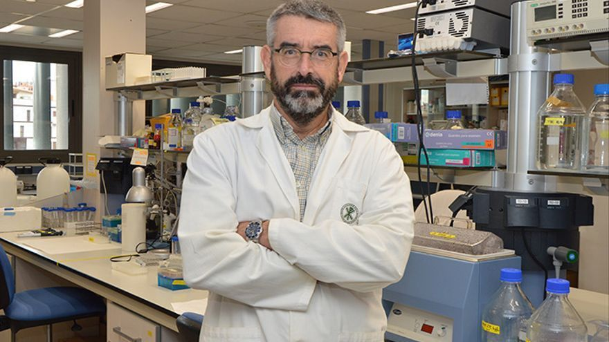 Un científico avisa: no bastará con la vacuna para acabar con la pandemia