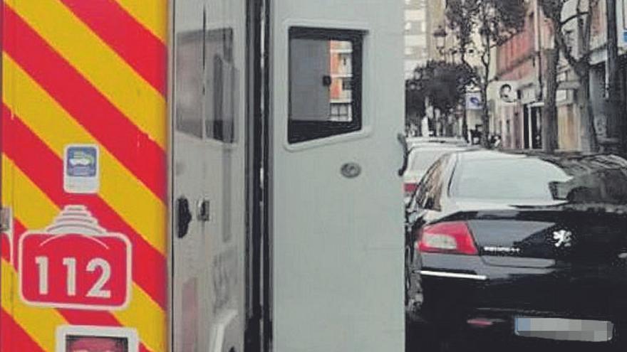 """Un hombre atacado por su ex en Oviedo: """"Estaba esperando al niño, llegó y me apuñaló"""""""
