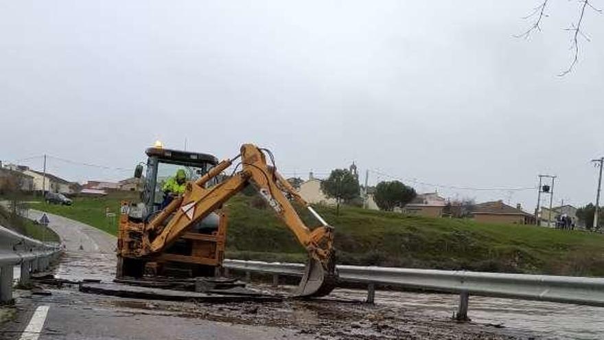 La Diputación adjudica las obras del puente de Domez de Alba en 918.000 euros