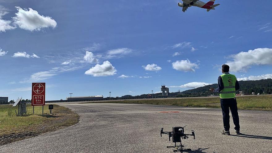 Los drones toman la pista de Peinador... por seguridad