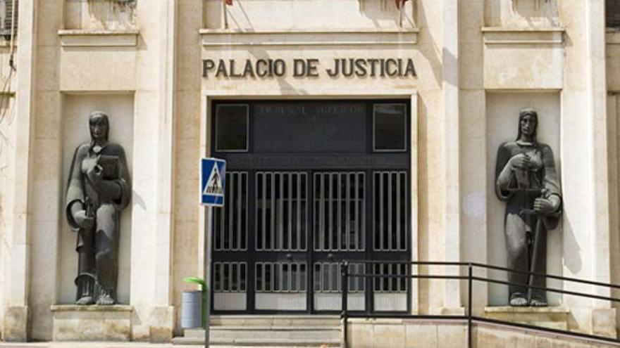 Condenado a cinco años de cárcel por robar materiales de construcción en Águilas