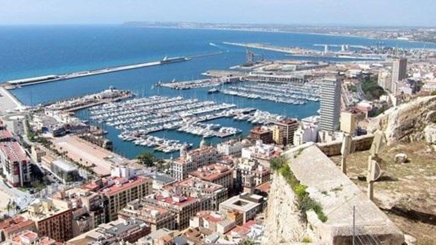 Hallan un cadáver en un barco atracado en Alicante