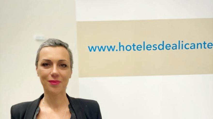 Los hoteleros de Alicante reeligen a Victoria Puche como presidenta de la asociación