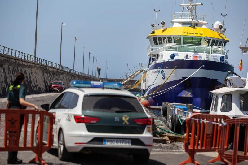 El 'Ángeles Alvariño' vuelve a puerto para reparar una avería