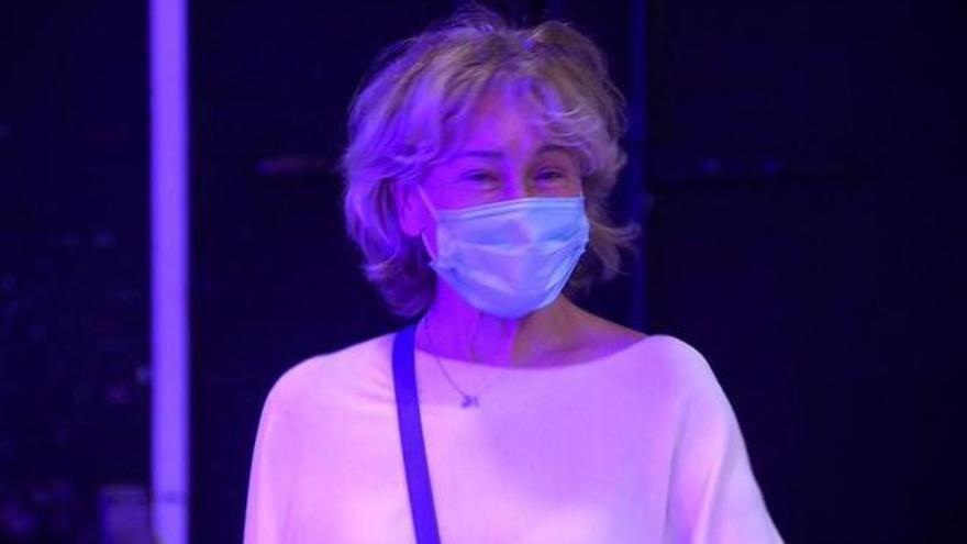 Última hora del estado de salud de Mila Ximenez: la colaboradora, muy delgada, salió del hospital acompañada