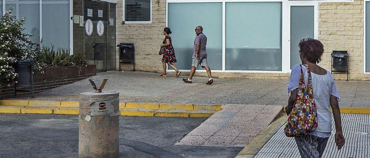 Urgencias extra hospitalarias de la calle Aaiún, junto al Hospital General de Alicante. |