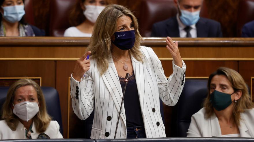 """Yolanda Díaz al PP: """"Sigan haciendo de abogados de las eléctricas"""""""