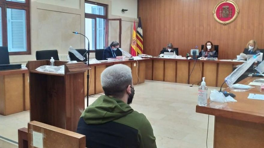 Dos años y medio de cárcel por abuso sexual y maltrato a su novia de 14 años en Palma