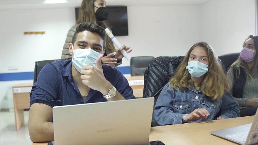 Jóvenes de 38 universidades españolas y latinomericanas compiten en el Hackathon de ESIC y BBVA