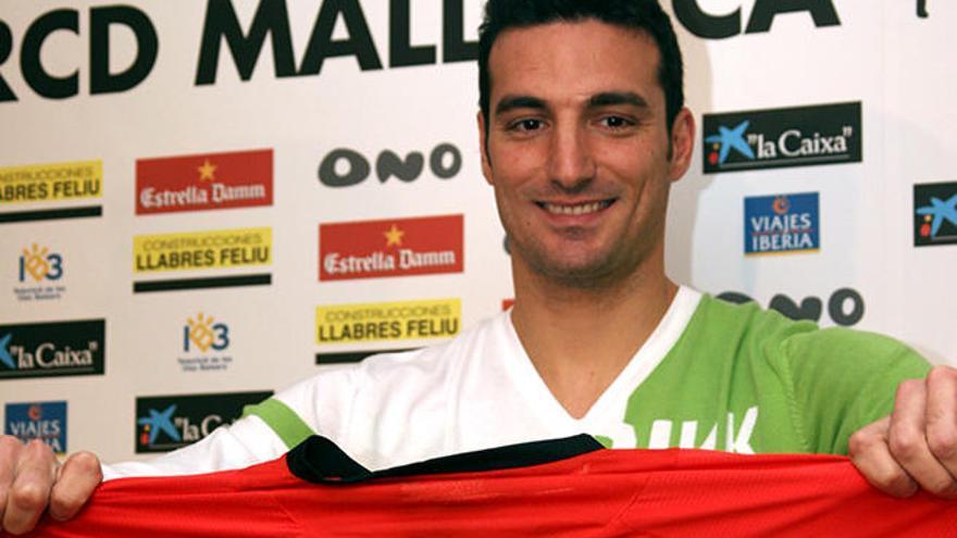 Scaloni jugó en el Mallorca hace una década