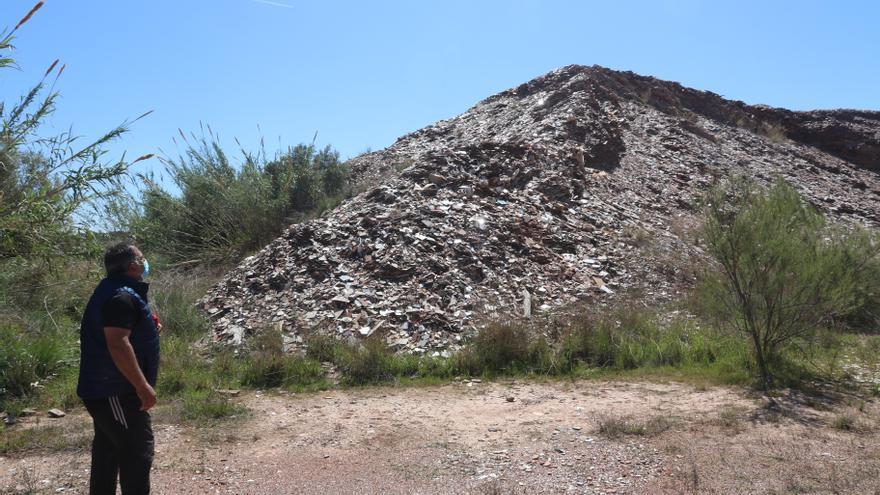 El vertedero de Reyval que amenaza al pantano de María Cristina en l'Alcora