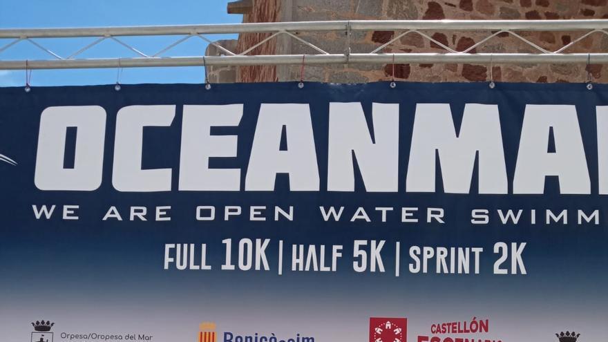 El nuciero Miguel Bou gana la travesía del Oceanman Benicàssim