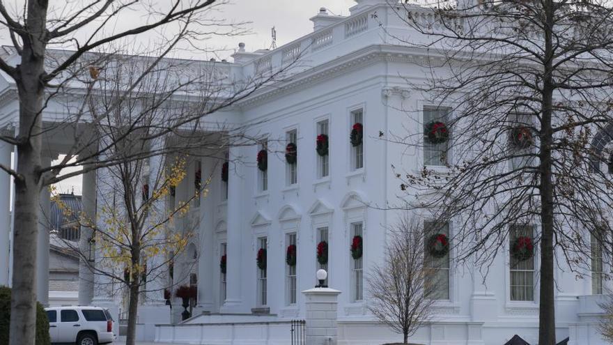 La imagen de un camión de mudanzas ante la Casa Blanca se hace viral