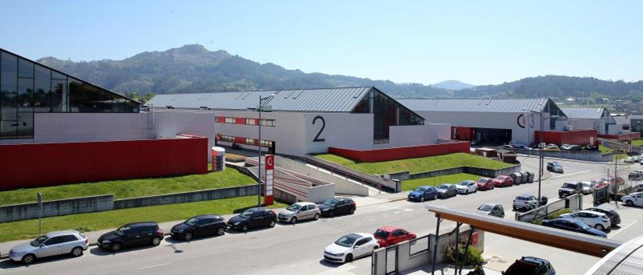 Naves industriales en Porto do Molle.   | // MARTA G. BREA