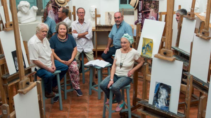 La exposición 'Equipaje de mano'  emigra desde Agaete a Montevideo