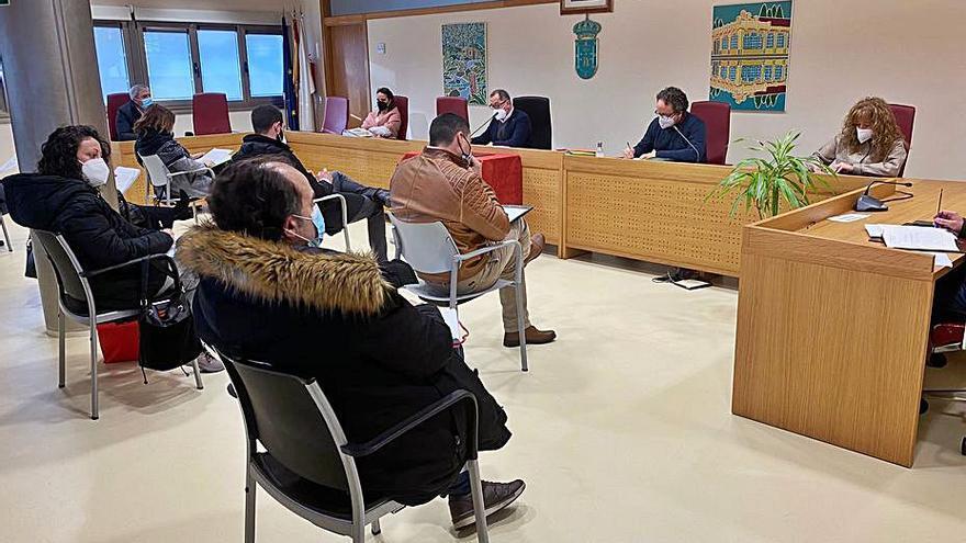 El desmarque del alcalde de Carral del Consorcio crispa el pleno