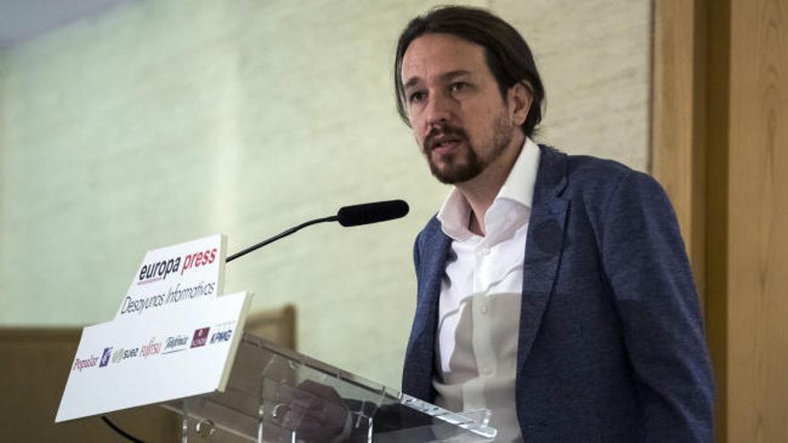 """Iglesias cuestiona al Rey, """"incapaz"""" de hablar de la corrupción o de Cataluña"""