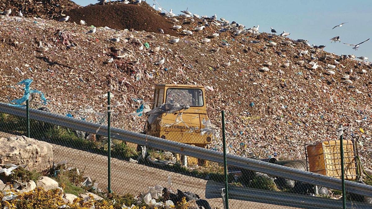 Imagen del vertedero de Nostián en 2008, el año en que se colmató. |   // CARLOS PARDELLAS