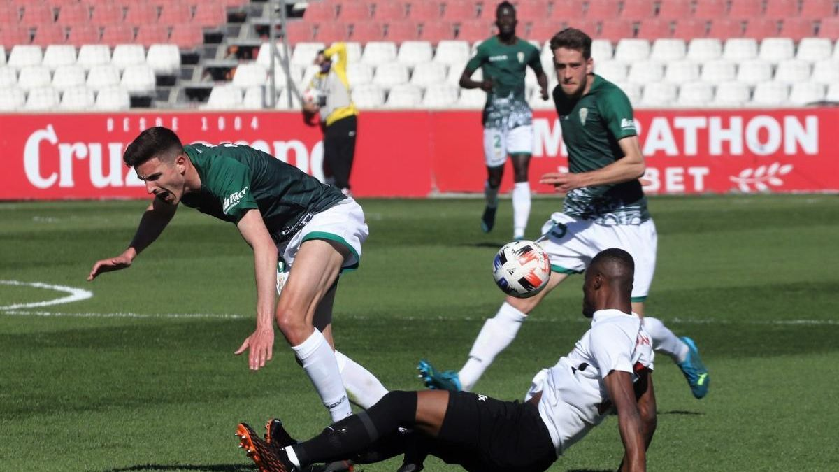 El Córdoba CF, en crisis deportiva ante una recta final con todo por solventar