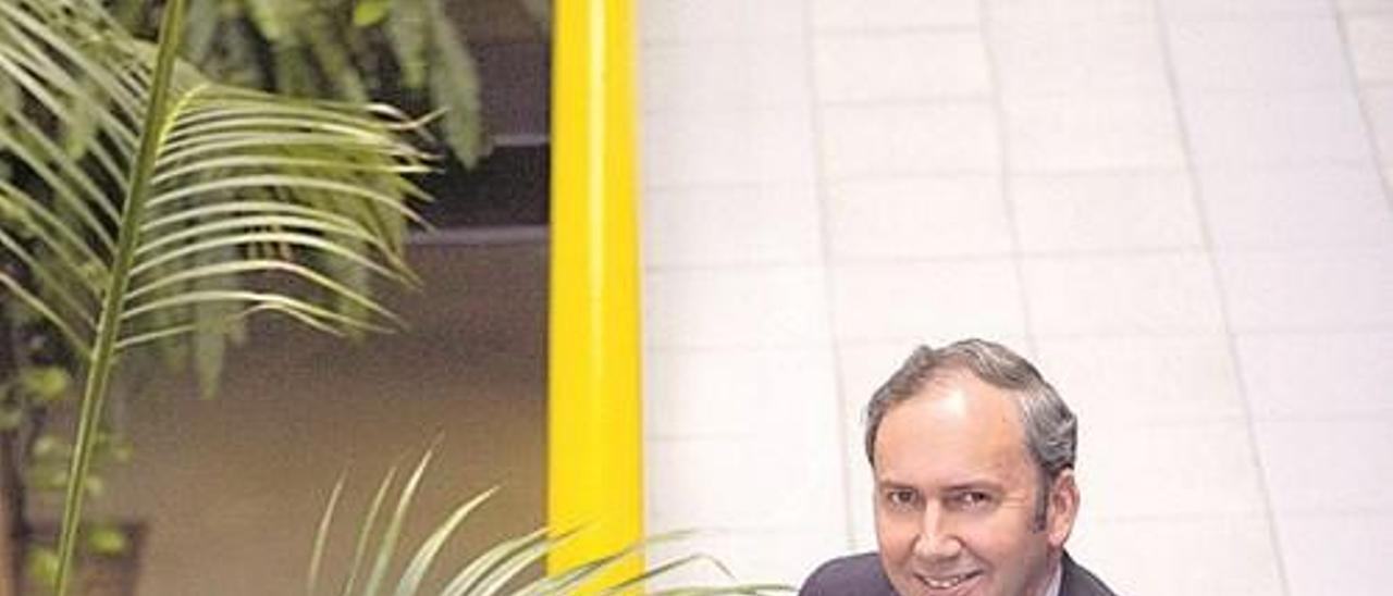 Francisco González Bree, en la sede del Centro de Empresas, en el edificio Cristasa.